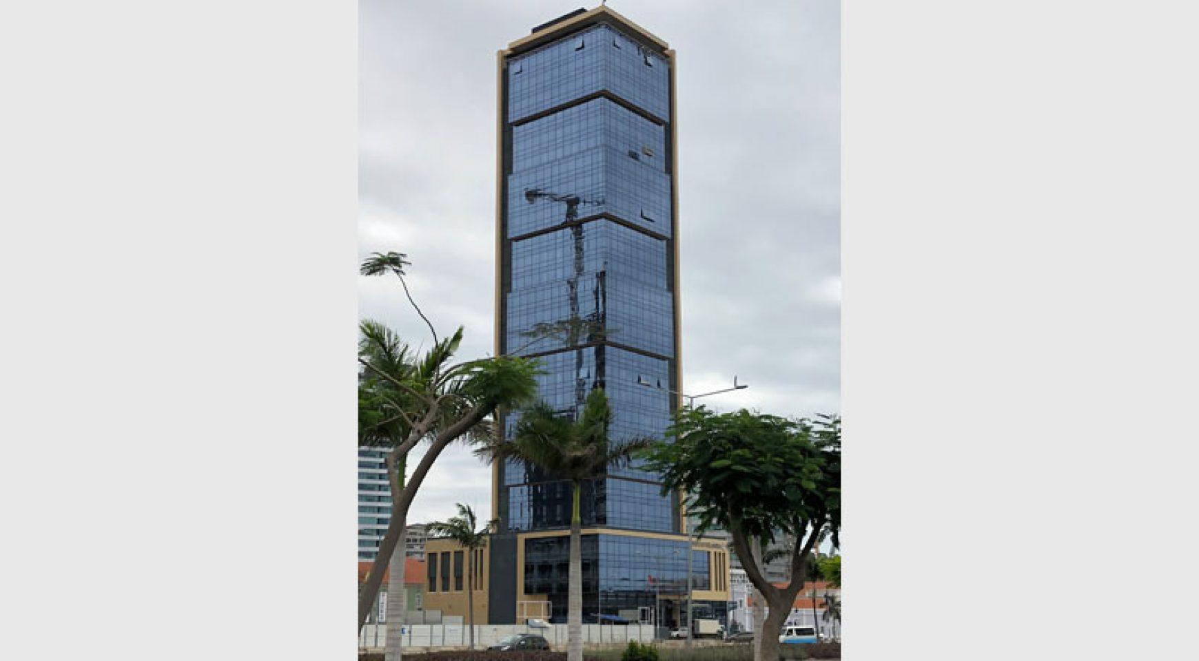 Building a modern home for 100 kila.